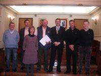 L´Ajuntament d´Amposta signa convenis amb el Club de Futbol Amposta i el Handbol Amposta