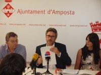 L'alcalde d'Amposta presenta documentació que desacredita les critiques del PSC respecte al local de rehabilitació.
