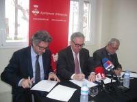 Ajuntament, Diputació i Bisbat formalitzen l'acord per rehabilitar el campanar del Poble Nou