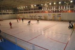 L�Ajuntament d�Amposta renova el paviment de la pista de patinatge