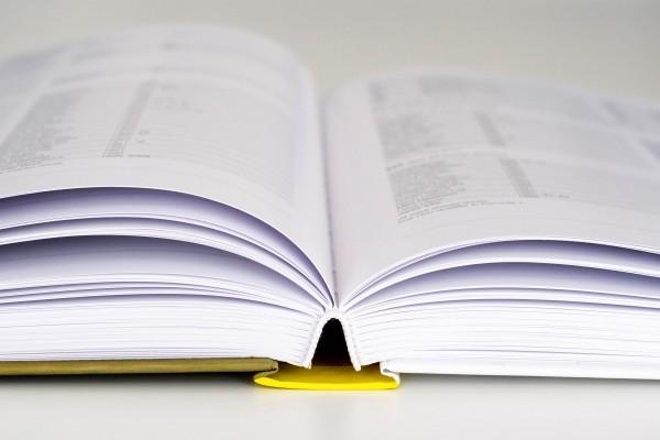 L'Ajuntament entrega 16.000 euros a centres educatius per a programes de socialització de llibres