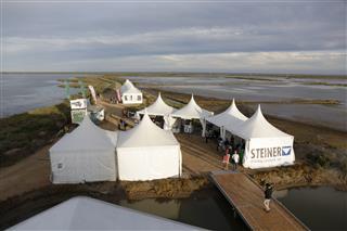 Prop de 2.000 persones omplen les activitats del segon festival internacional d'ornitologia al Delta de l'Ebre
